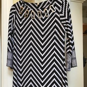 HAANI black & white zig zag striped dress PS